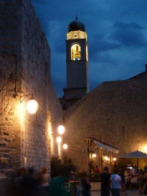 Stari grad pimeduses