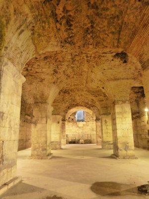 Palee kõige paremini säilinud osa - katakombid