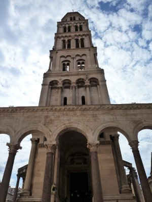 Kristlasi taga kiusanud valitseja matmispaigast on saanud katedraal
