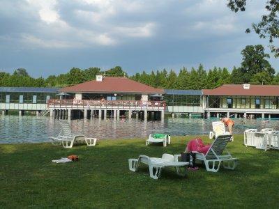 Hevizi järv - täis looduslikult sooja vett